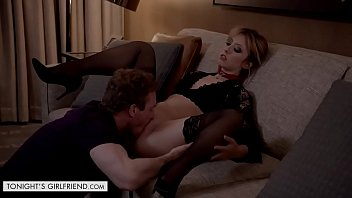 Leashed Young Woman Daphne Dare Gets Rammed A Go-go Hotel