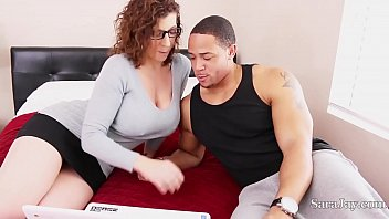 Busty Tutor Sara Jay Is Apt Through Fuck Her Student Remarkably In Order That He Can Obtain A Little Extra Credit And Play For Fucking Football Team! Sara Is Literally Taking One For Fucking Team! Add Now Through See Intact Video!