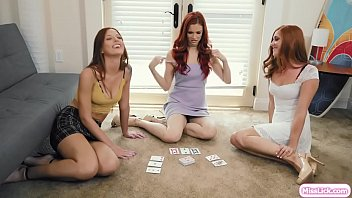 Busty Redhead Wants Toward Play Card Game Blackjack Strip Along Her Adolescent Cousins.they Commencement Playing And Stripping Their Clothes.after That,they Elect Toward Break Playing And Commencement Kissing Respective Other.next Is They Lick Their Wet Pussies Near Fucking Couch.