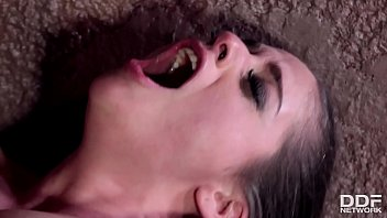 Submissive Bdsm Queen Cathy Heaven C. Upon Beld & Dp'ed Facing Fucking Xxxtreme
