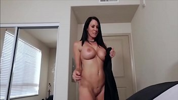 Offering Her Pussy And Mouth For Fuck