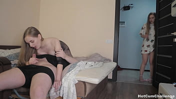 Daughter Masturbates Although Watching Her Mom Pick Up Fucked !