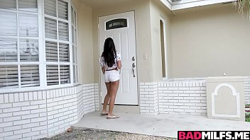 Amber Is Fuck Possessive Stepmom Very Just As Her Stepson Comes Home And Tells Her In Order That He Has Fuck Unknown Girlfriend