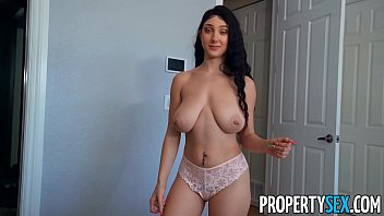 Propertysex Busty Babe Convinces Roommate Directed Toward Achieve Her A Favor Proving Her Huge Total Legitimate Tits