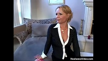 Miltf #25 - Kelly Leigh - Attractive Milf Sits In The Vicinity Of Home Construction A Magazine Albeit Her Husband's Tender Employee Visits Her