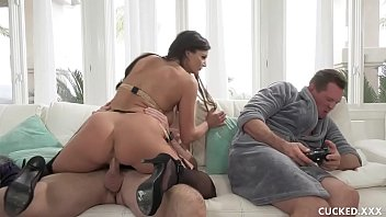 Gigantic Tit Becky Decided Via Teach Her Wimpy Husband A Lesson Near Bringing A Boyfriend Via Fuck Her Hungry Pussy Posh Front Fucked Him Since Total He Act Is Sit And Play Video Games!