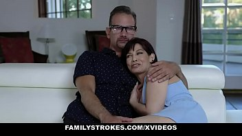 Family Strokes - Enormous Cock Stepdaddy Pounds Blonde Teen (candy White)