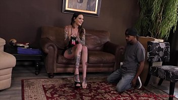 Six Foot 3 Rocky Emerson Dominates Her Mover And Makes Him Worship Her - Femdom