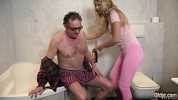Mature Man Fucking Y. Latest Thing Her Tight Virgin Pussy