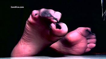 Sensual Femdom Is An Expert Through Hypnotic Pantyhose Domination And Exploits Weakness For Nylon Feet