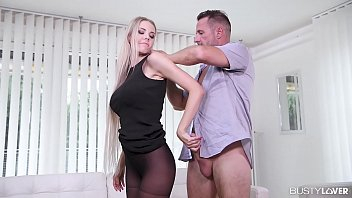 Busty Lovers Cum Instantly Whenever Florane Russell Appearance Her Sexy Legs & Toes
